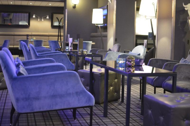 Beeindruckend bequeme Lobby im Bremer Radisson Blu
