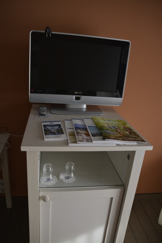 Großer LCD-TV auf meinem Zimmer im maritim Hafenhotel Rheinsberg