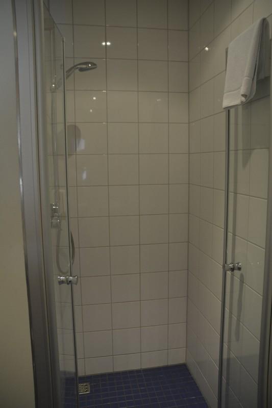 Die große Dusche im Maritim Hafenhotel Rheinsberg
