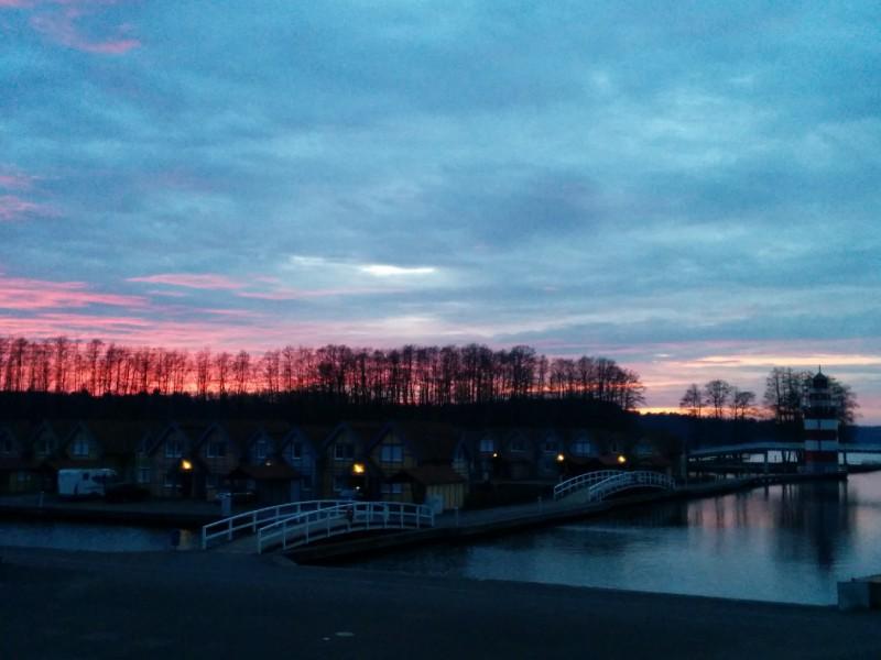 Sonnenuntergang auf der Terrasse des Maritim Rheinsberg