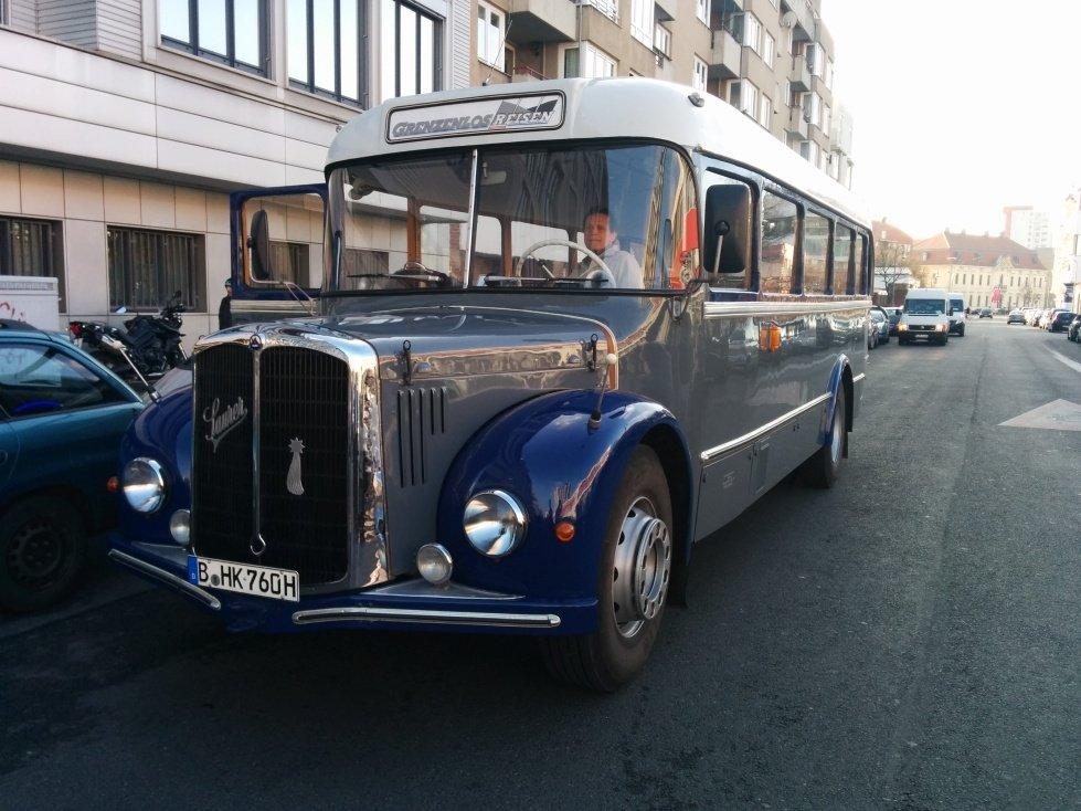 Der Social Bus von Travelbooks