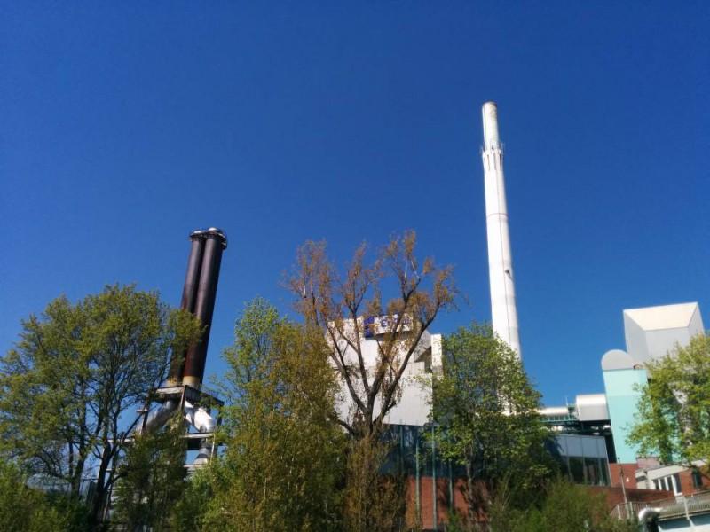 Das Heizkraftwerk Münster mit dem 180 m Turm