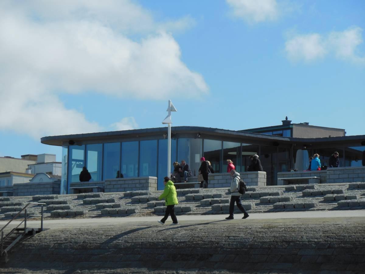 Blick vom Strand her auf die Milchbar auf Norderney