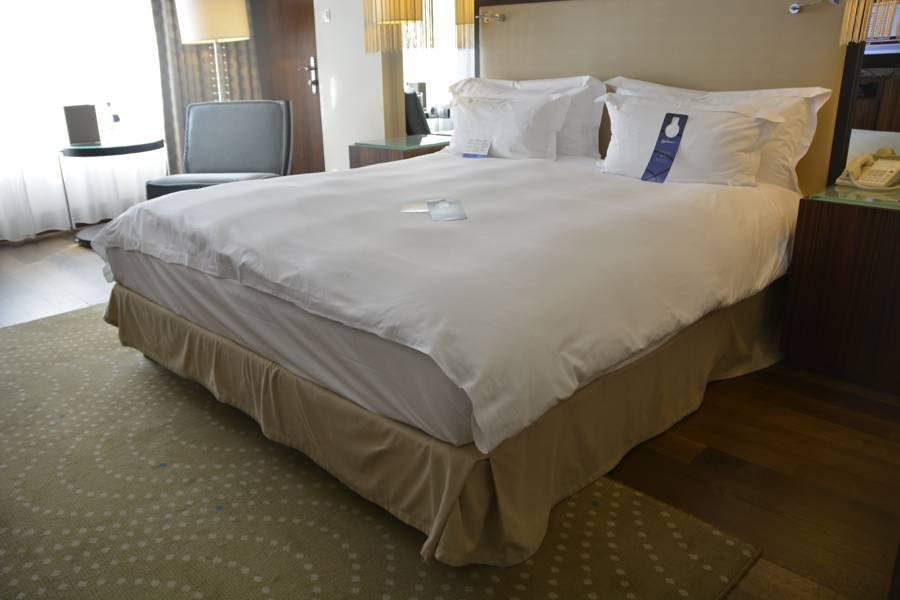 Das bequeme Bett im radisson Blu Alcron Hotel Prag