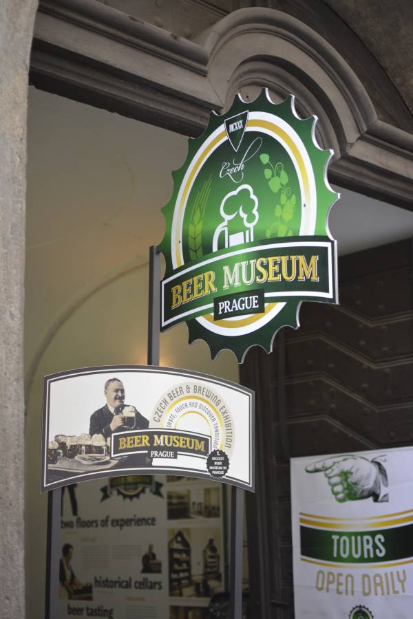 Biermuseum in Prag von außen