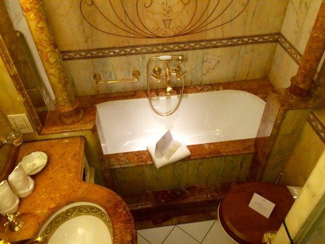 Die Eigner-Suiten verfügen über eine Badewanne