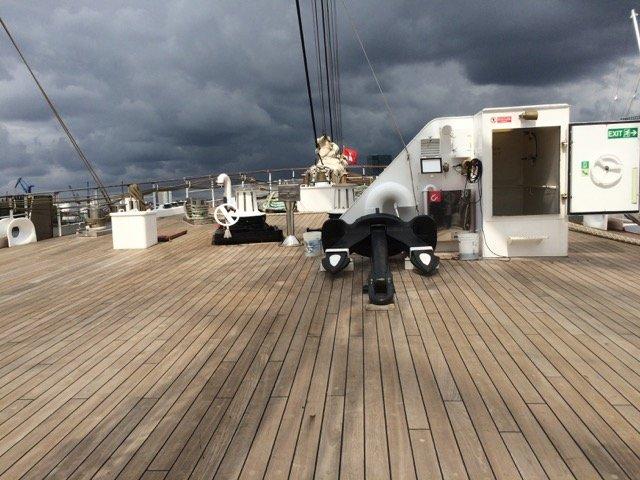 Weitläufige Deckflächen bietet die Sea Cloud II