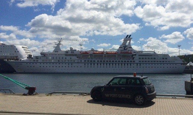 MS Astor in Kiel