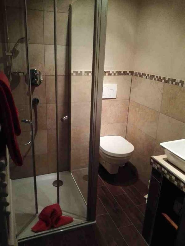 Dusche im Bad meines Zimmers in der Schmausemühle