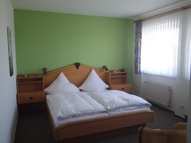 Mein Zimmer im Gasthaus Schmitt in Morshausen - brauchbare Unterkunft auf dem Saar-Hunsrück-Steig