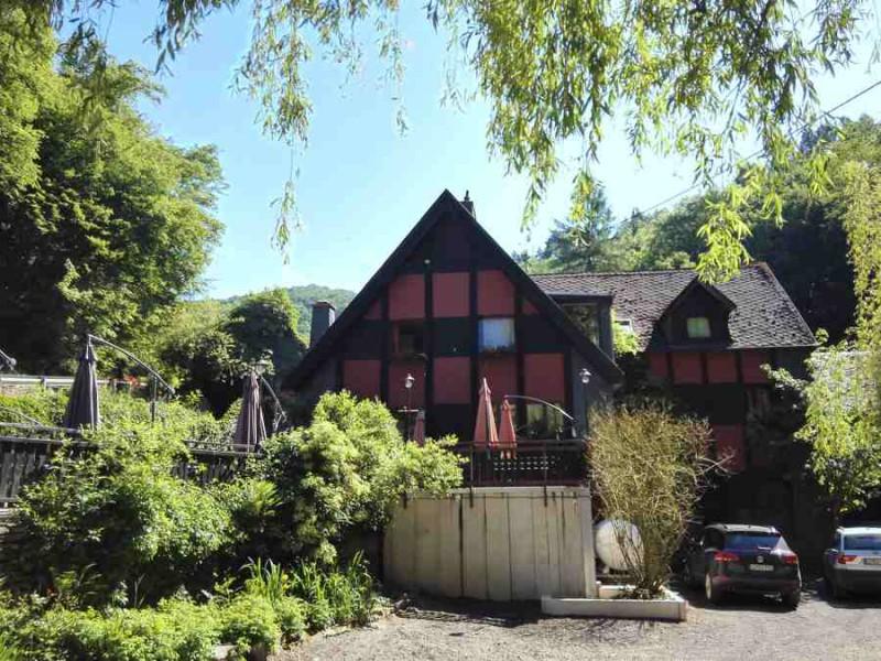 Schmausemühle vom Saar-Hunsrück-Steig aus