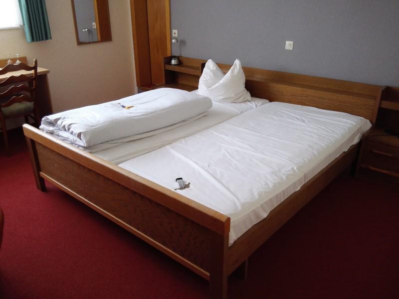 Mein Bett im Landhotel Zur Katz