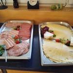 """Wurst und Käse zum Frühstück im Landhotel """"Zur Katz"""" in Halsenbach-Ehr"""
