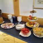 """Obst zum Frühstück im Landhotel """"Zur Katz"""" in Halsenbach-Ehr"""