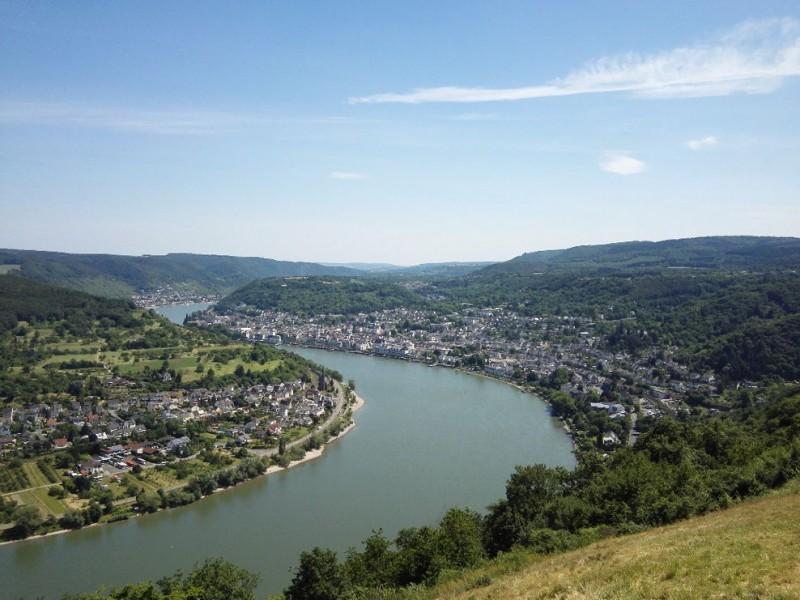 Blick über den Rhein in  Richtung Boppard Stadt