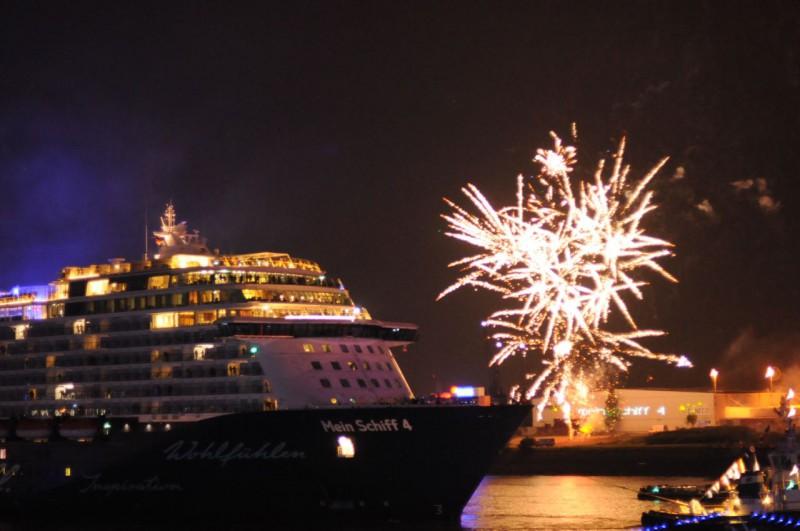 Mein Schiff 4 vor Feuerwerk