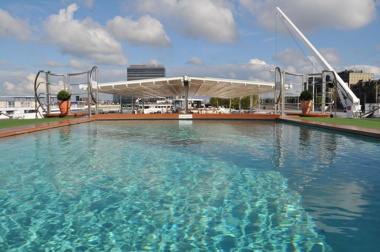 Pool auf der Arosa Flora