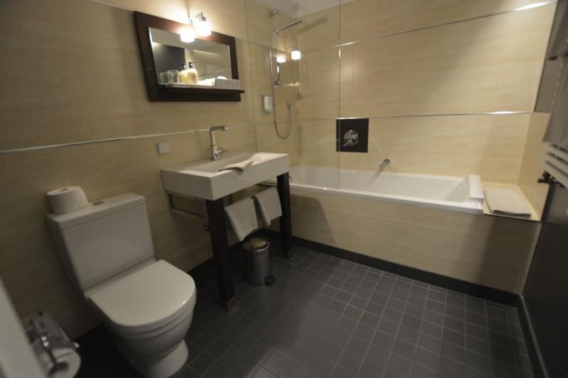 Badewanne im Design Hotel Adele Berlin