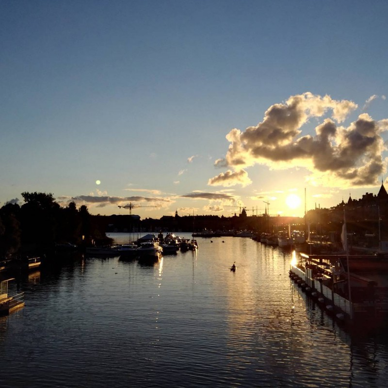 Sonnenuntergang in Stockholm in der Nähe des Vasa Museums