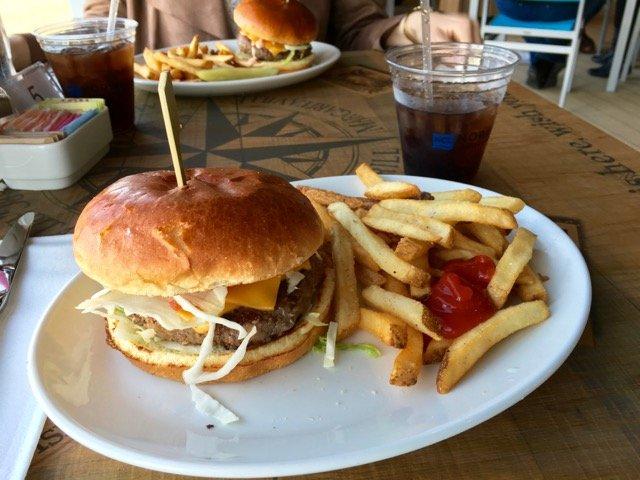 Den Cheeseburger in Paradise gibt es im Magaritaville - kostenlos.