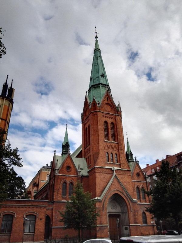 Kirche an der Kreuzung Birger Jarlsgatan und Odengatan in Stockholm