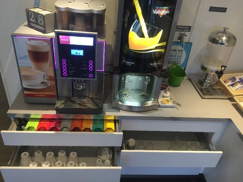 Kaffee, Tee und Saft im ibis styles Köln