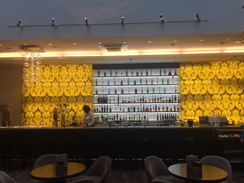 Blick in die Bar des Hotels Steigenberger Herrenhof Wien