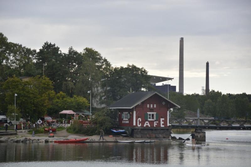 Cafe in der Nähe des Sibelius-Denkmals Helsinki
