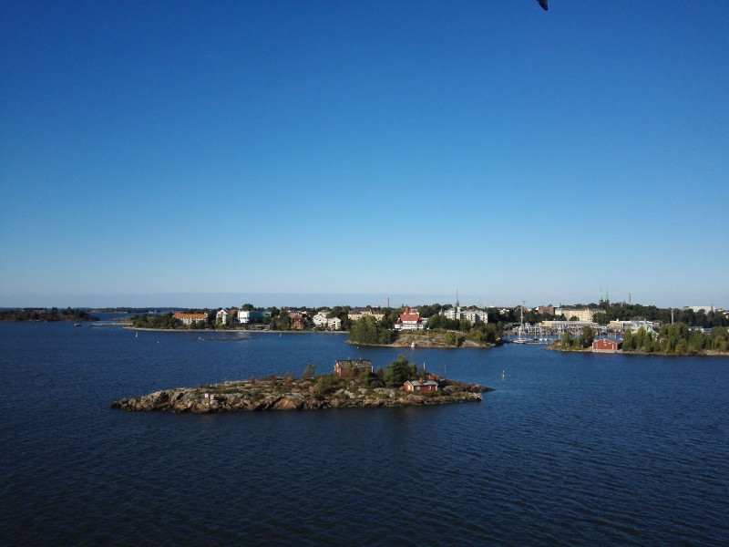 Insel bei der Einfahrt nach Helsinki mit der M/S Silja Symphony