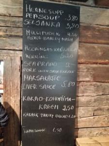 Speisen in der Dorfkneipe Kolu im Freiluftmuseum tallinn
