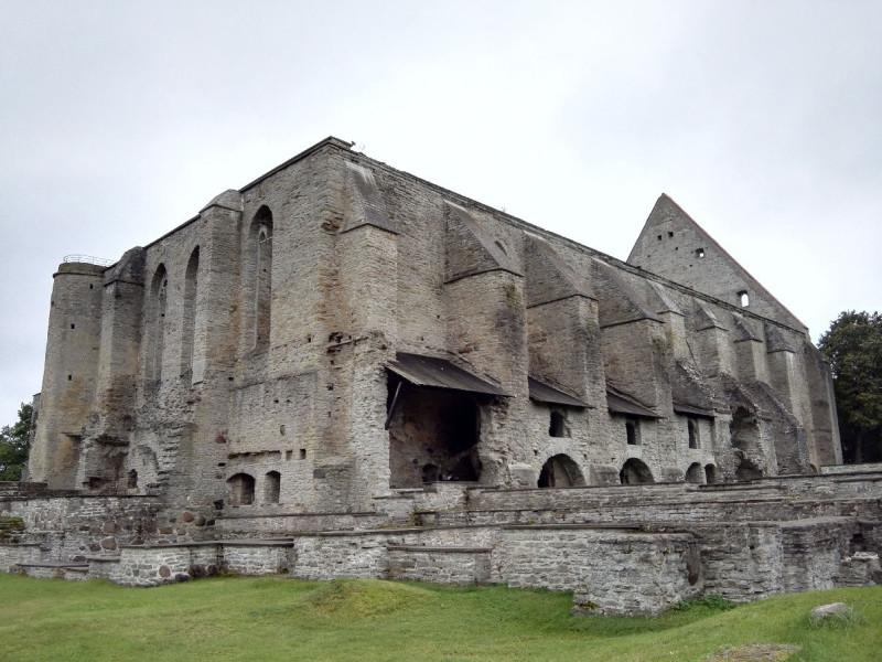 Ruine des Kloster Pirita von hinten