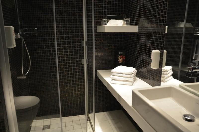 Bad im Zimmer 615 im Tallink Hotel Riga