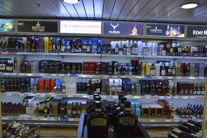 Große Auswahl an Alkoholika an Bord der M/S Romantika