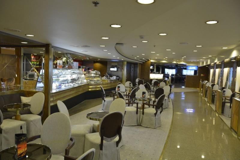 Cafe Prominade an Bord der M/S Romantika