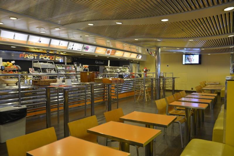 Fast Food 25H an Bord der M/S Romantika