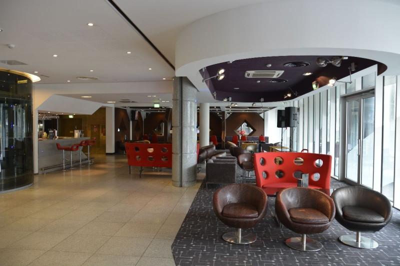 Helle gemütliche Lobby im Tallink Spa & Conference Hotel Tallinn