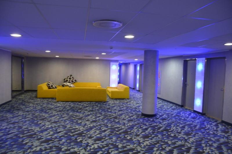 Farbenspiel auf den Fluren des Tallink Spa & Conference Hotel Tallinn