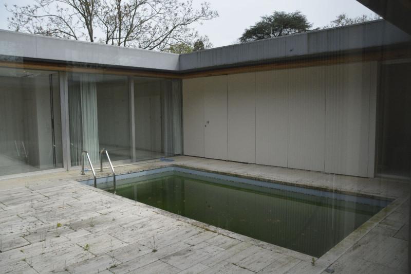 Pool vor dem Kanzlerbungalow Bonn