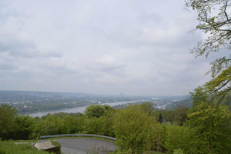 Blick in Richtung Bonn vom Schloss Drachenfels