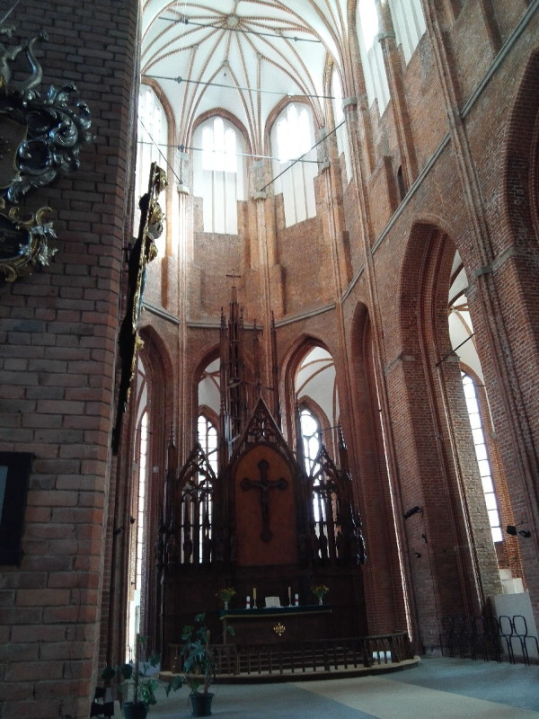 Blick auf den Altar in der Petrikirche in Riga