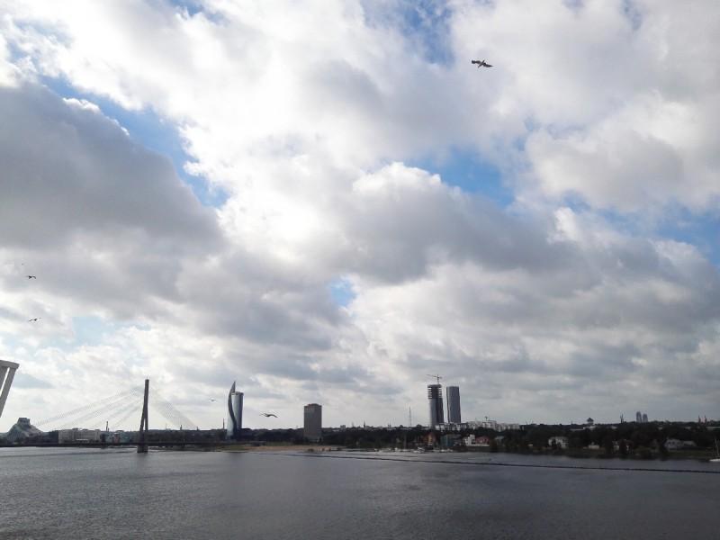 Blick in Richtung der Vanšu-Brücke in Riga