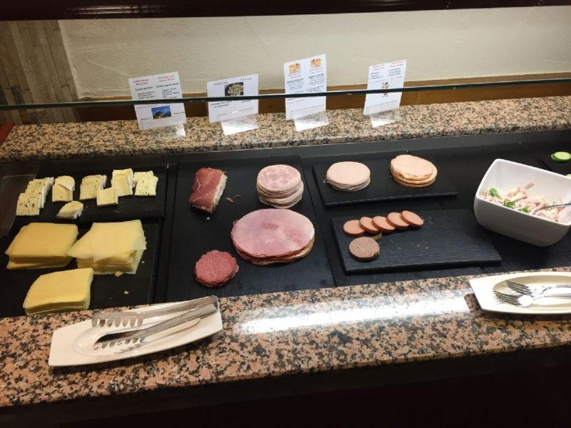 Wurst und Käse im Hotel Schlosskrone Füssen zum Frühstück