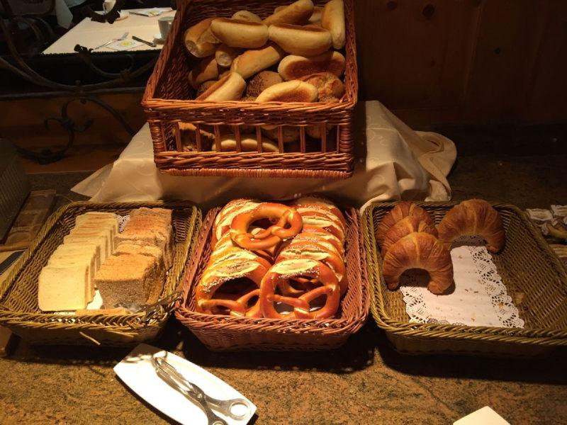 Gute Auswahl an Backwaren im Hotel Schlosskrone Füssen