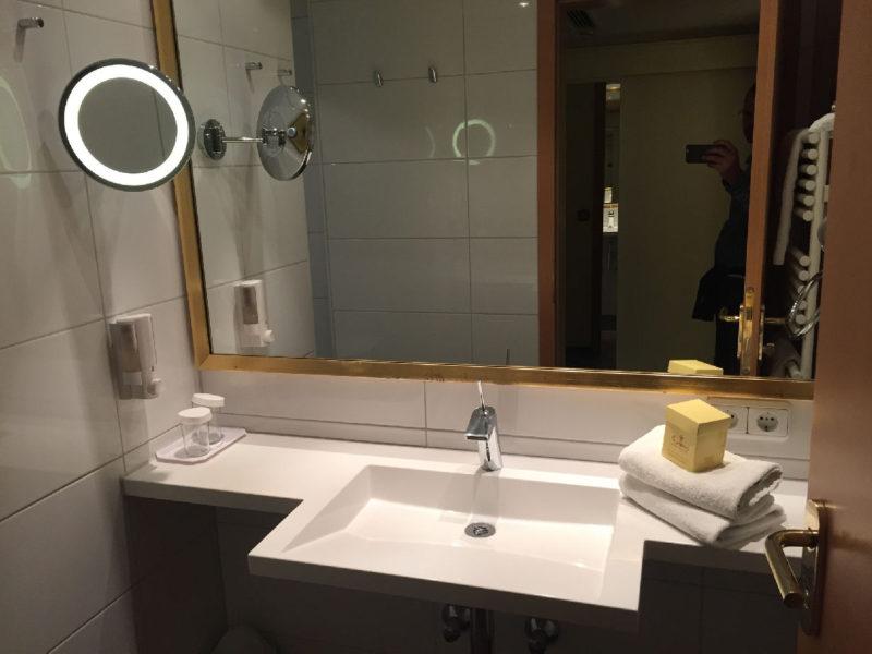 Bad im Hotel Schlosskrone