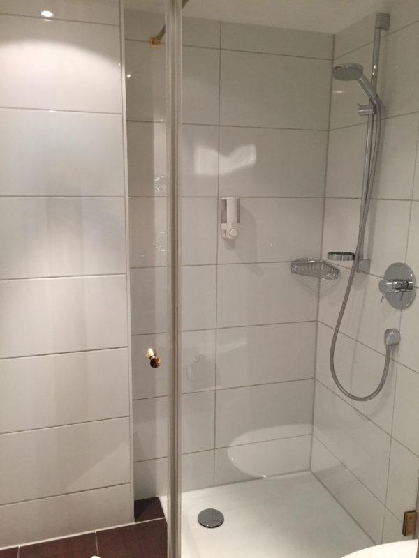 Dusche im Hotel Schlosskrone