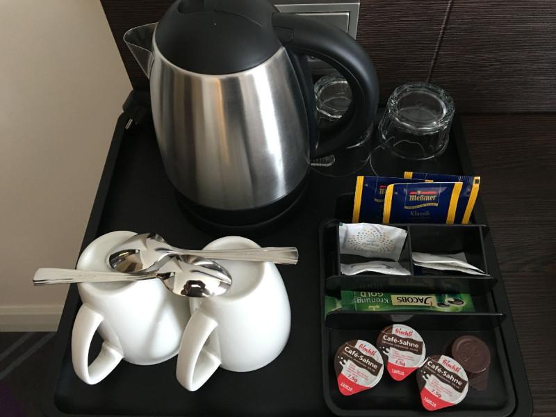 Wasserkocher, Tee und Kaffee