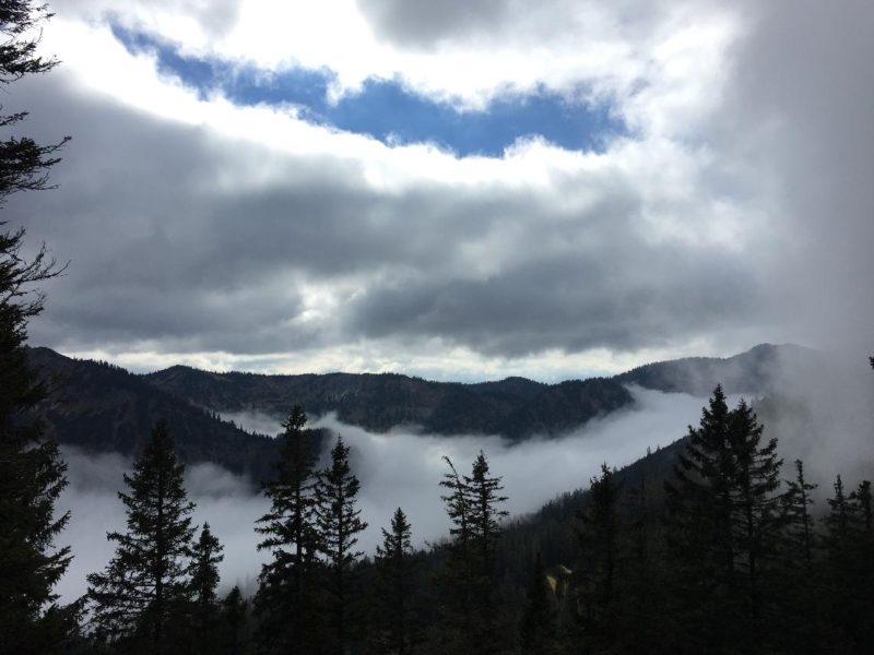 Ein wenig Ausblick, die Wolken sind nun oben und unten...