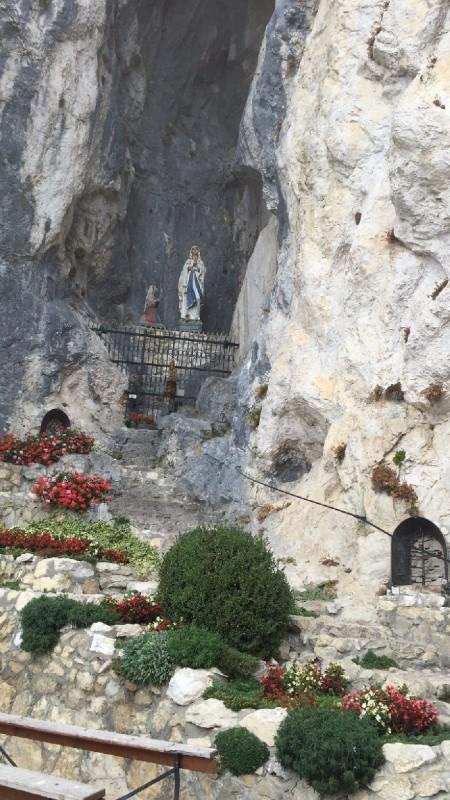 Mariengrotte unterhalb der Burgruine Falkenstein