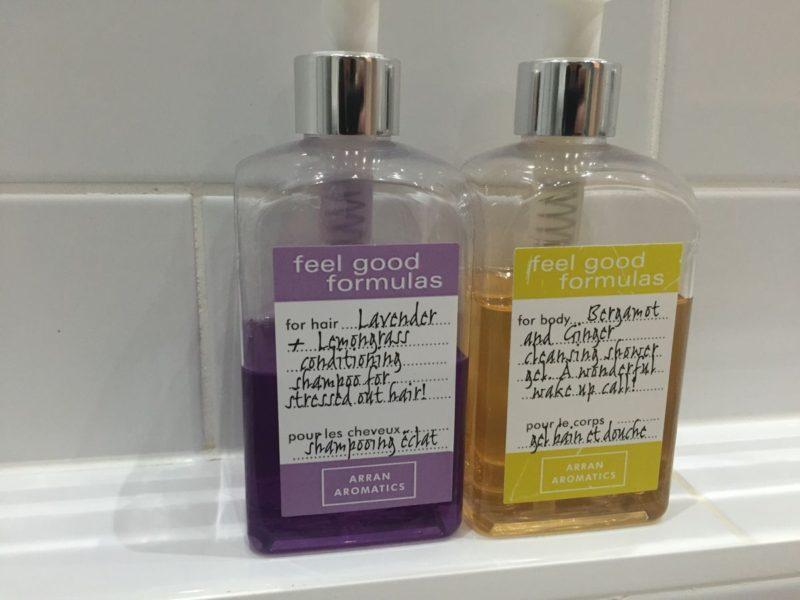 Duschgel und Shampoo im Hotel Balbirnie House