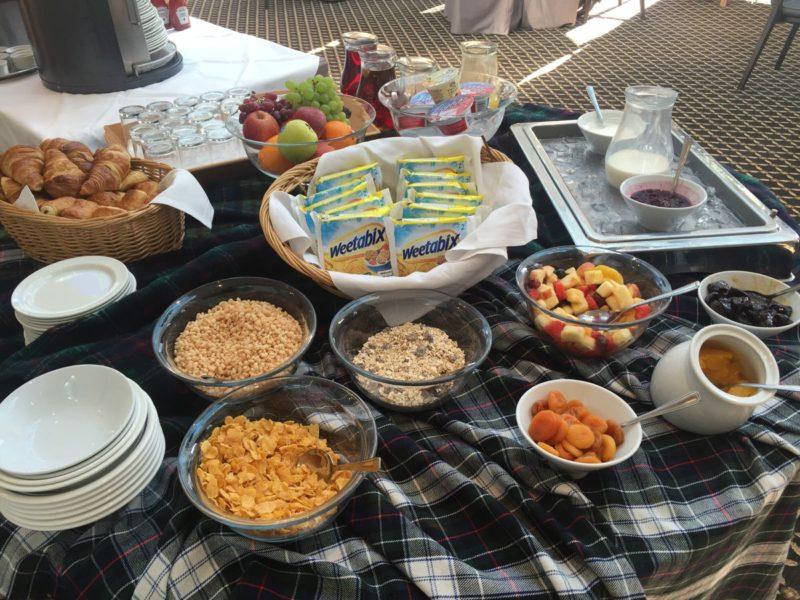 Müsli und ähnliches zur Auswahl beim Frühstück im Balbirnie House Hotel